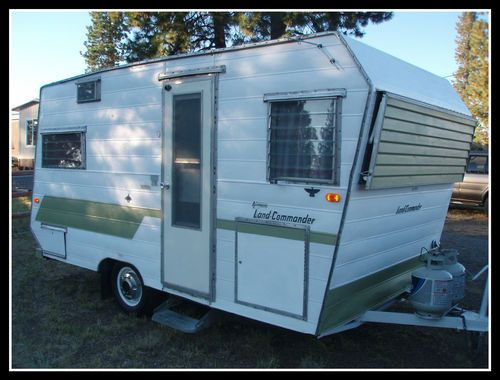Vintage 1966 Aristocrat Land Commander Looks Like Our 64 I Suspect Our Seller Was Off By A Year Or Vintage Camper Vintage Campers Trailers Vintage Trailers