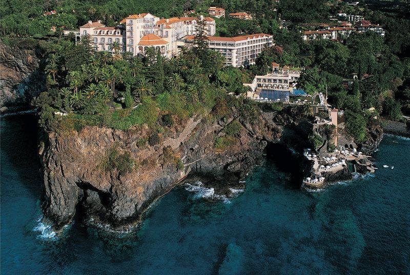 10 hoteles increíbles en lo alto de acantilados  Belmond Reid's Palace Madeira, Portugal