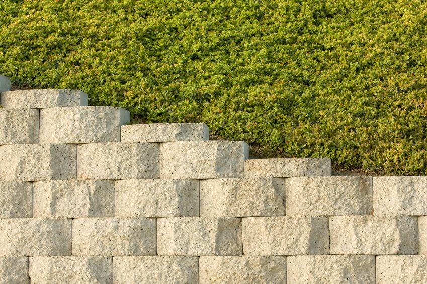 50 Backyard Retaining Wall Ideas And Terraced Gardens Photos In 2020 Backyard Retaining Walls Cheap Retaining Wall Concrete Retaining Walls