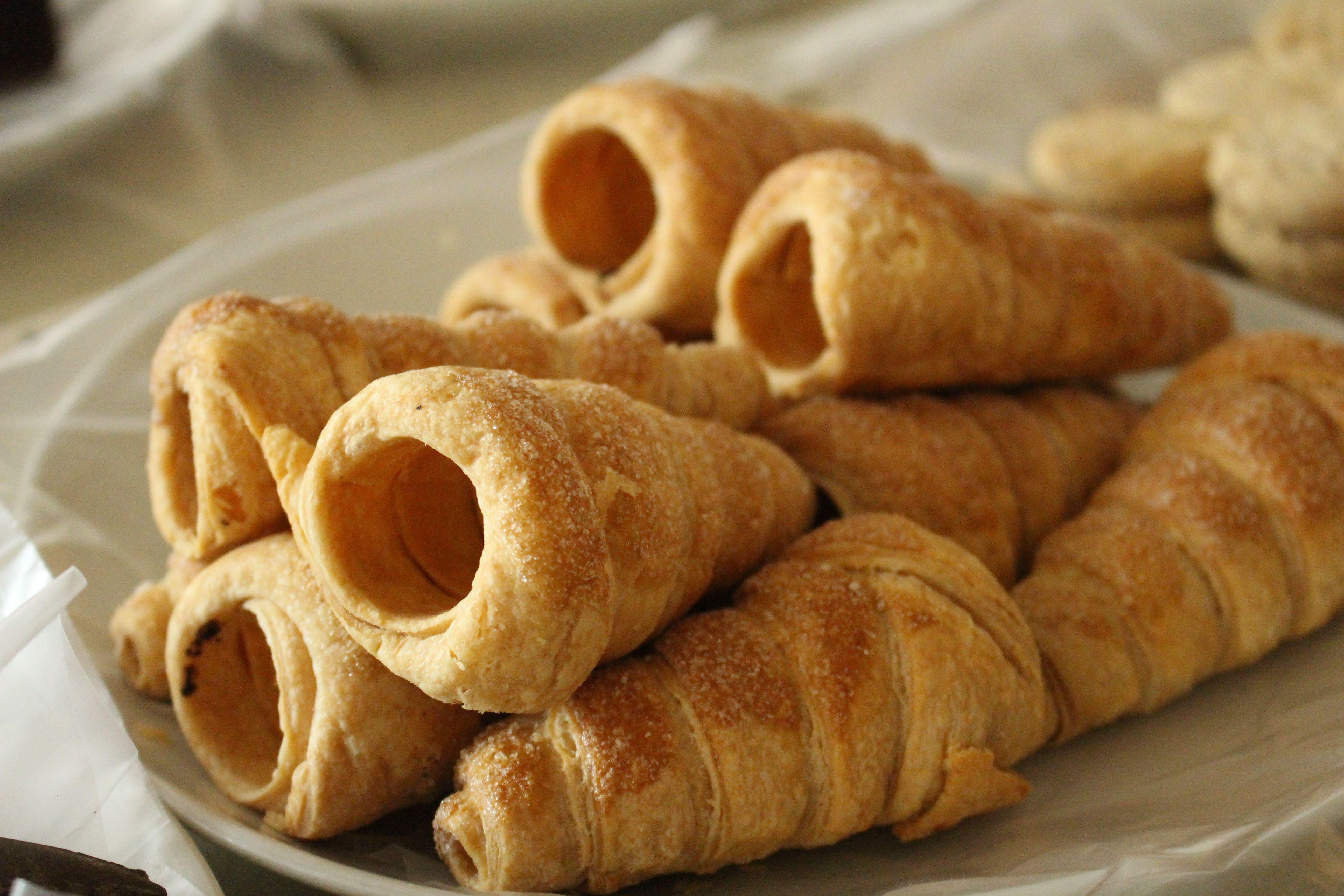 NOVITA' - Cannoli freschi da riempire con crema o marmellata a scelta!