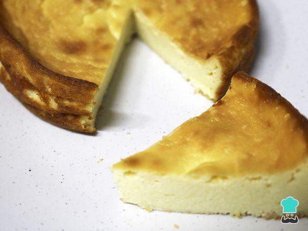 Tarta De Queso Al Horno Con Quesitos Y Nata Fácil Receta Queso Al Horno Tartas Tarta De Queso