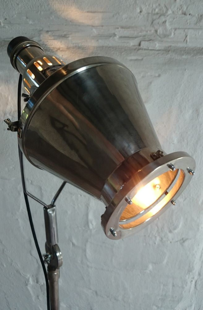 Tripod Roll Stativ Stehlampe Hanau Arzt Strahler Industrie Design ...