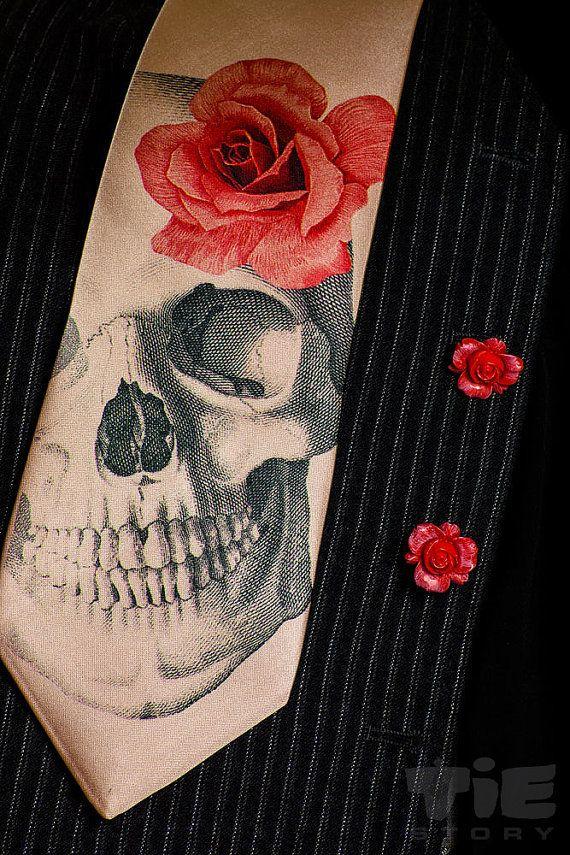 Men's gothic wedding necktie and red roses cufflinks. Dia ...