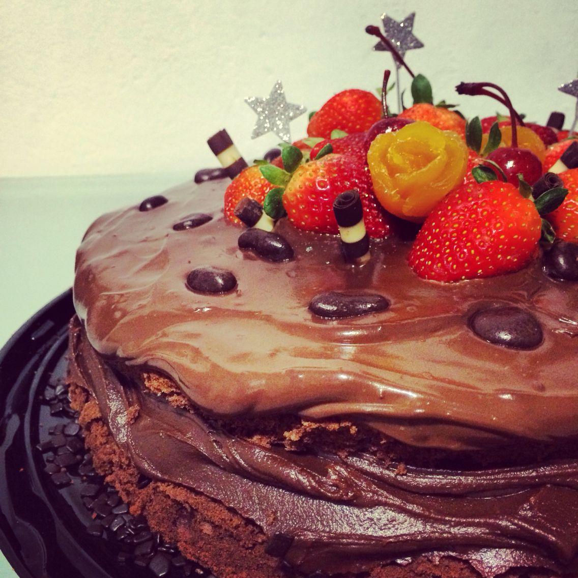 Pin on Bolos • Cakes • Petite Fabrique