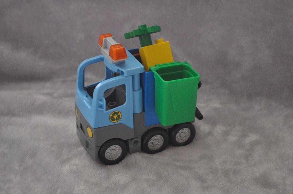 Lego Duplo Blue Bin lorry Recycle Garbage Truck Garbage Can bin RARE ...