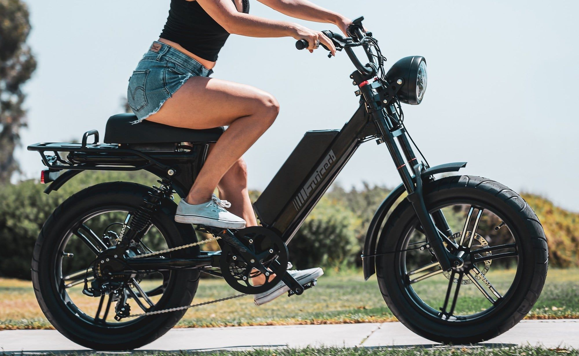 Juiced Scorpion Long Distance E Bike Is A Combination Of An Electric Bicycle And Moped Ebike Electric Bicycle Ride Bicycle Electric Bicycle