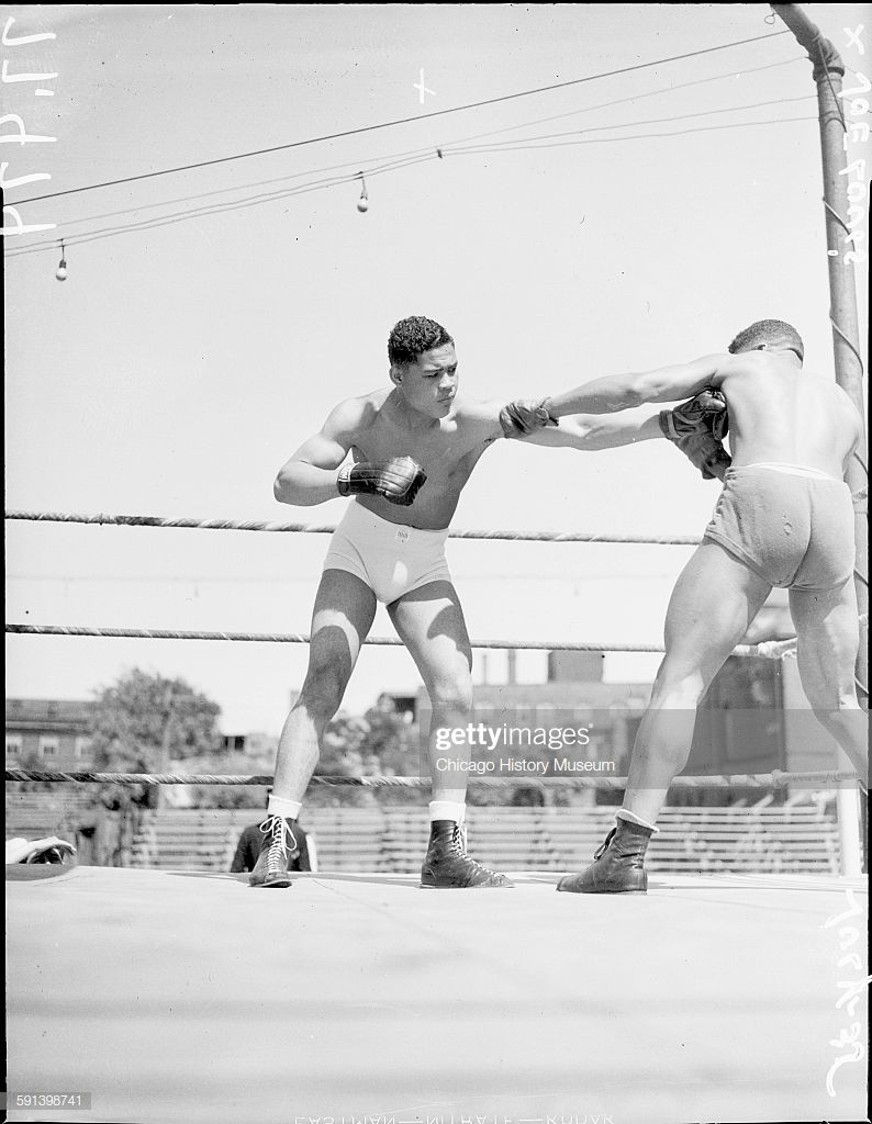 News photo boxers joe louis and willie davis sparring in