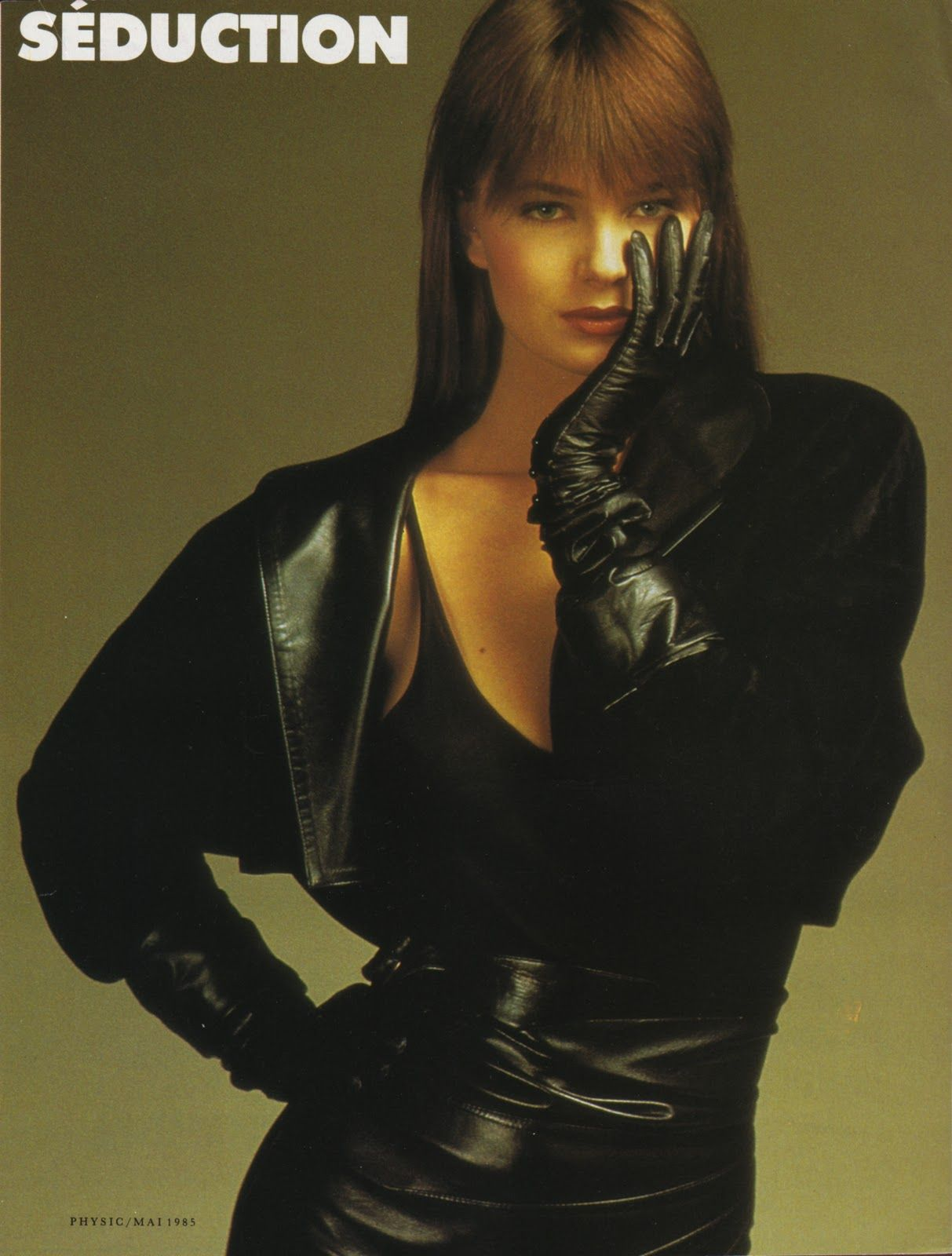 Paulina Porizkova Gloves Fashion Fashion Fashion Face