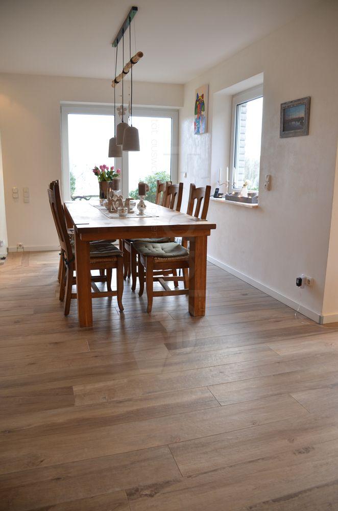 natürlich schöne Holzflieen #Fliesen #Esszimmer #Wohnzimmer