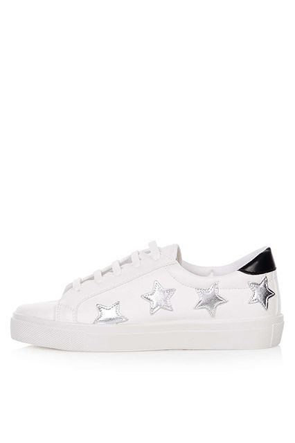 timeless design 2d6e5 f9149 Cool White Sneakers That Aren't Stan Smiths | Street Style ...