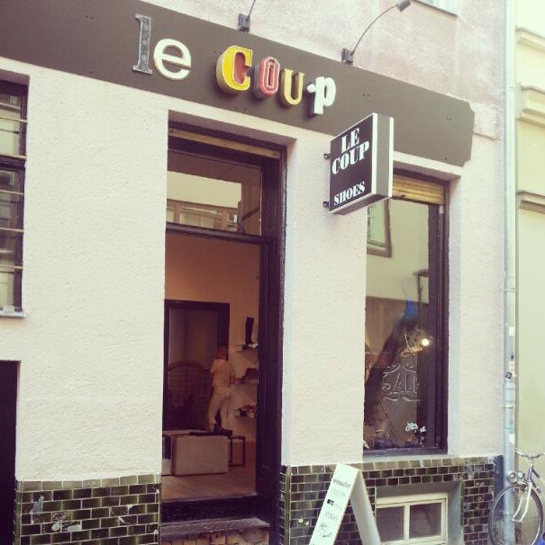 Wart ihr schon beim Shoe-Sale? Dort ist es so wundervoll! Hin da! @Le Coup Shoes http://instagram.com/p/OT8sd_Nzy0/