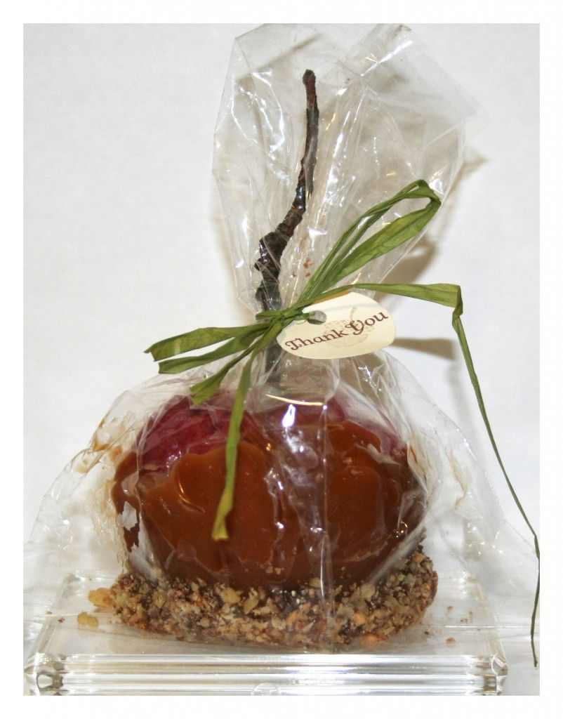 Caramel Apples Are Great For A Fall Country Wedding Country