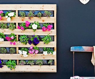 beautiful diy hanging garden box made using wood pallets via httpdiypallets - Garden Ideas Using Wooden Pallets