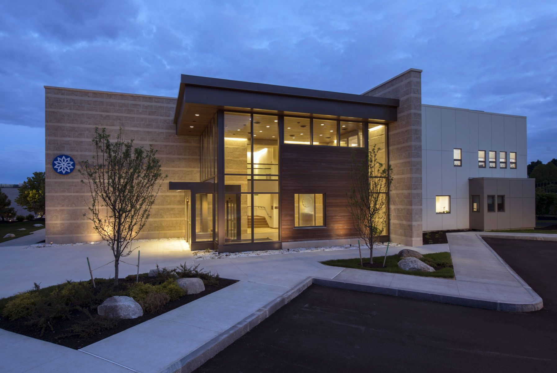 Built in 2012 910 washington street is a 22 388 sf for Modern office building exterior design