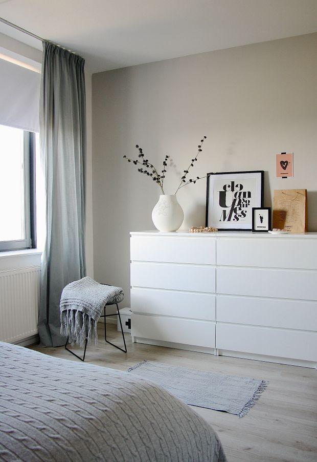 Dressoir in de slaapkamer (Eenig Wonen) | Bedroom | Pinterest ...