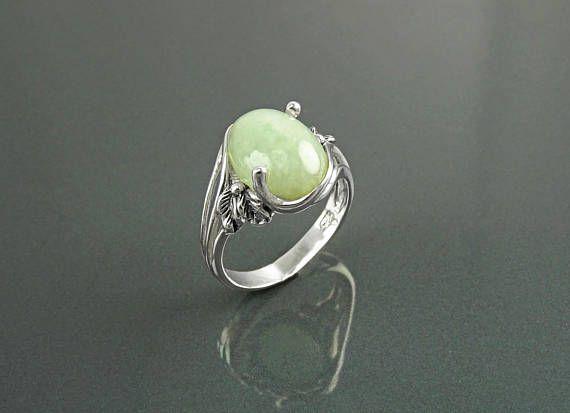 Bague en jade veritable