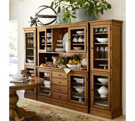 Kitchen: Butler Pantry