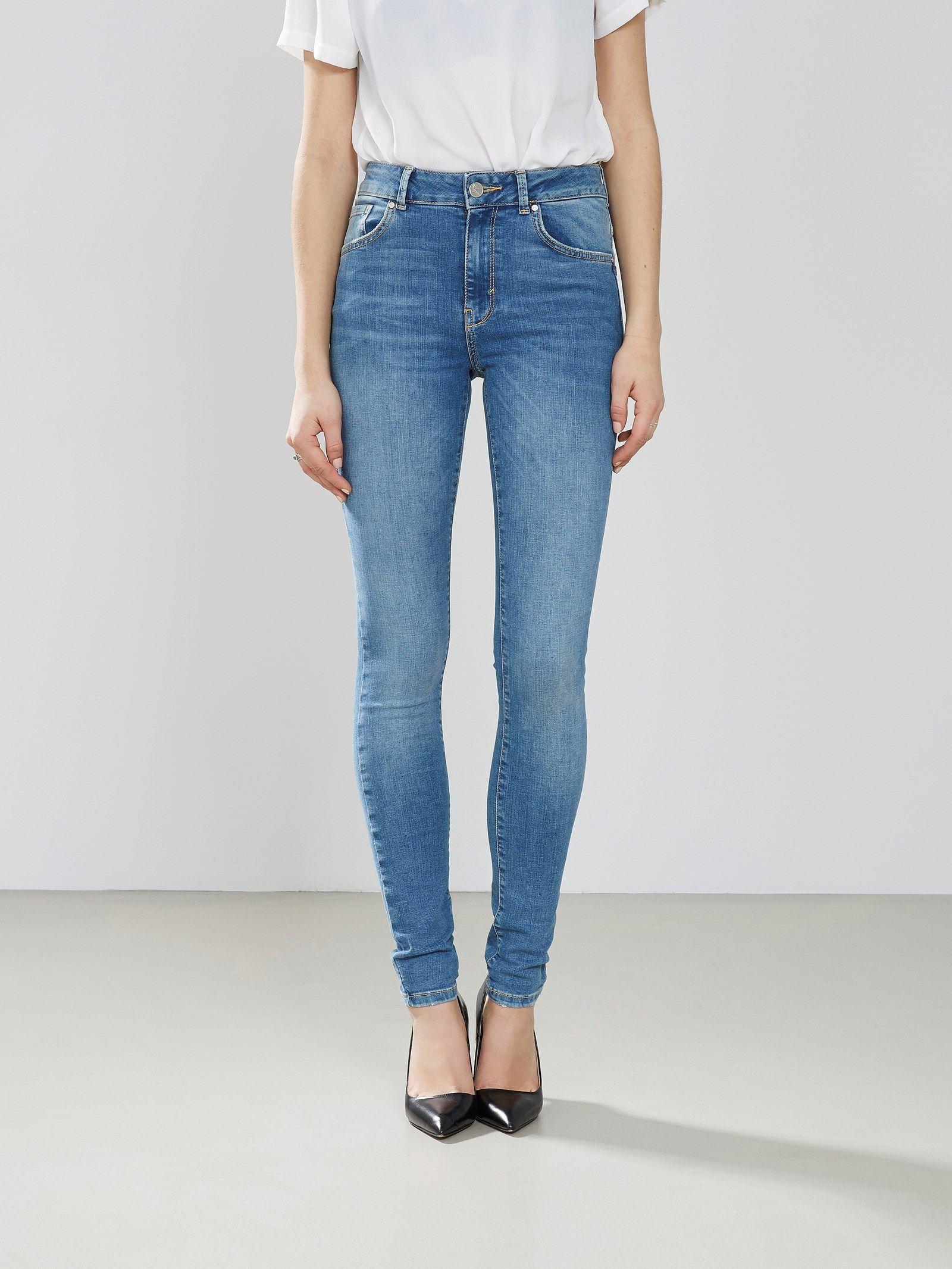 d9d36386 NEVER DENIM. Jeans med høy midje og smale ben. Stretch (superflex ...