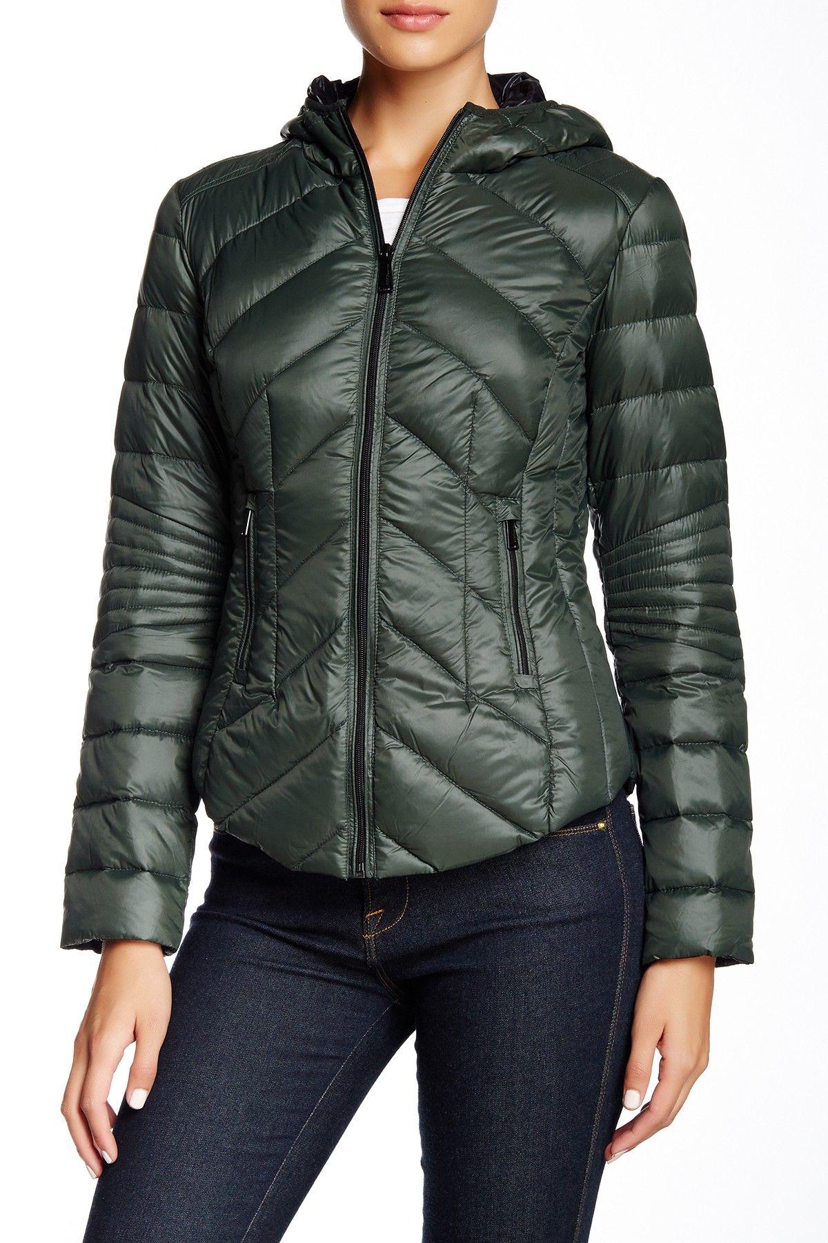 Bcbgeneration Missy Short Hooded Packable Jacket Nordstrom Rack Packable Jacket Jackets Women S Puffer [ 1800 x 1200 Pixel ]