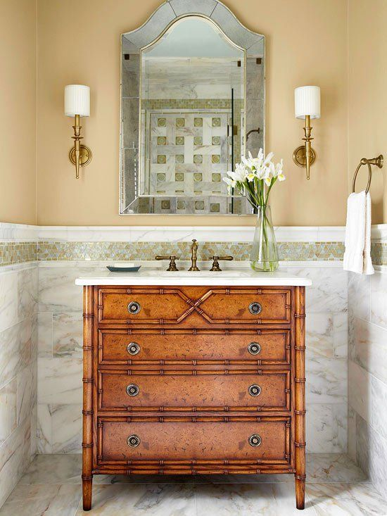 Beige hues and marble - beautiful bathroom vanity design || @pattonmelo