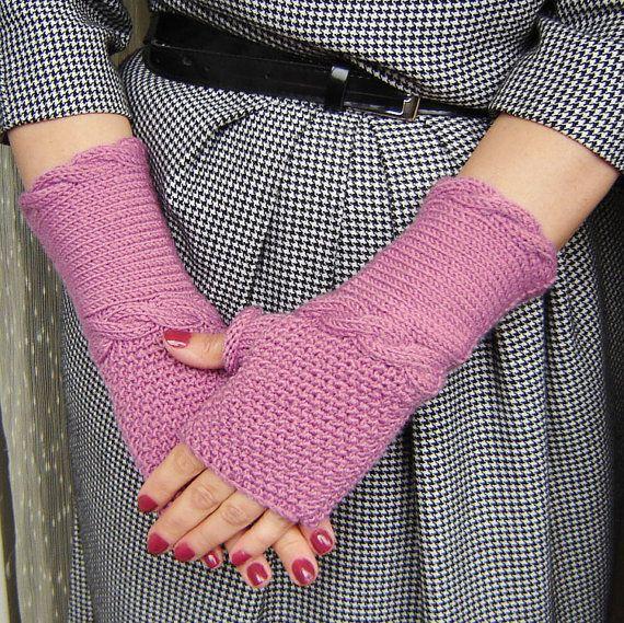 Lilac fingerless gloves