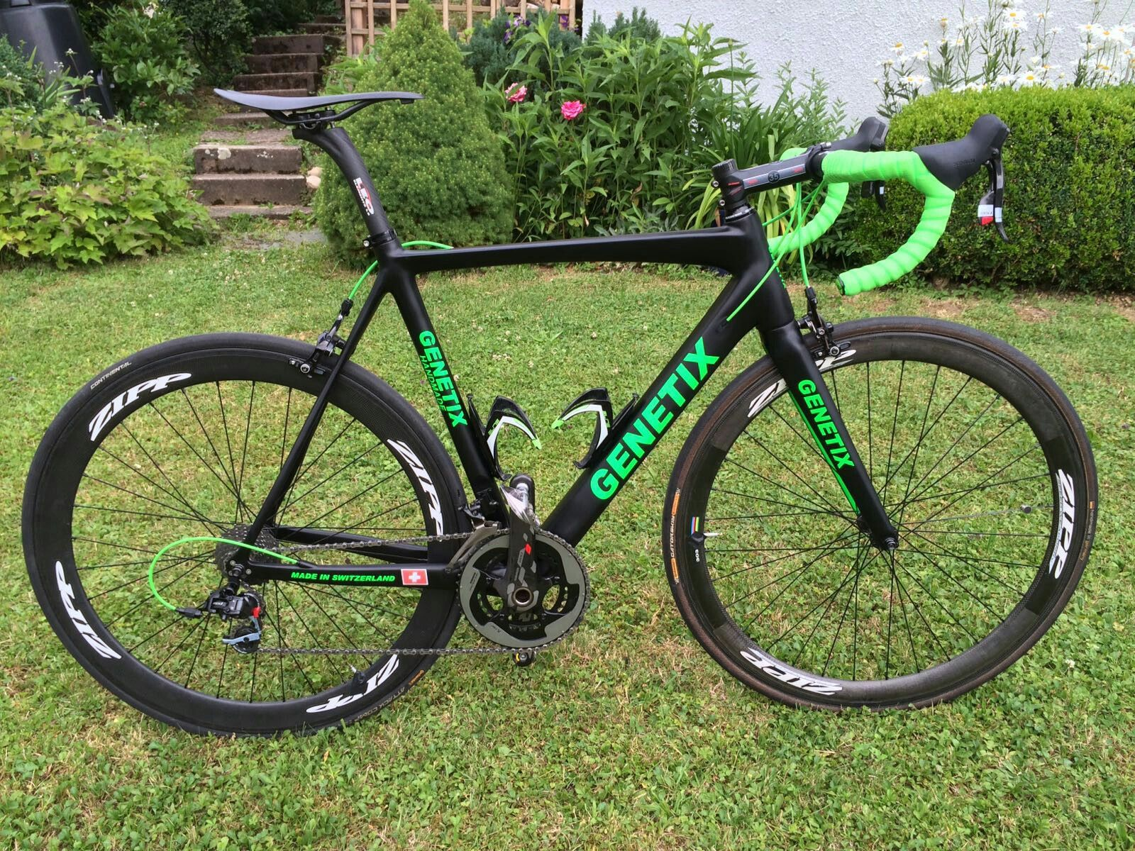 Genetix CR1 Carbon Rahmen mit Sram Red | Genetix CR1 green ...