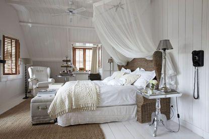 Emejing Chambre Romantique Blanche Images - Matkin.info - matkin.info