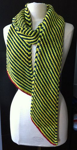 Diagonal stripes scarf (free). I\'m doing one of these in UVA colors ...