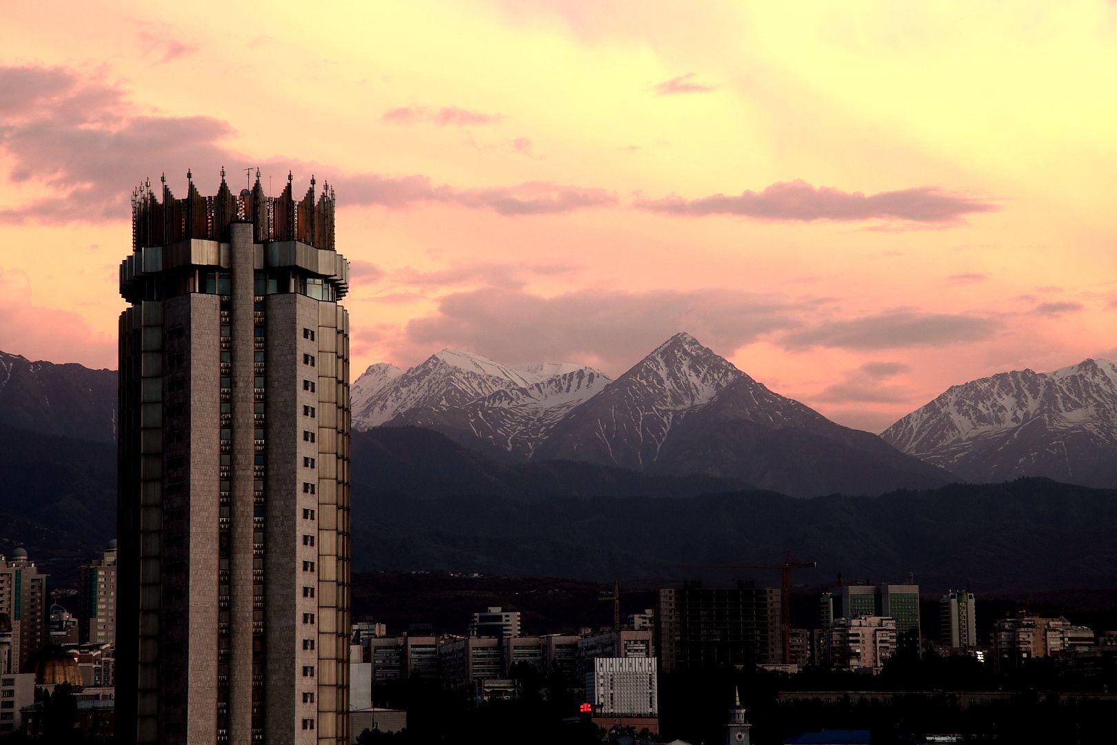 Обои здания, свет, дома, kazakhstan, казахстан. Города foto 11