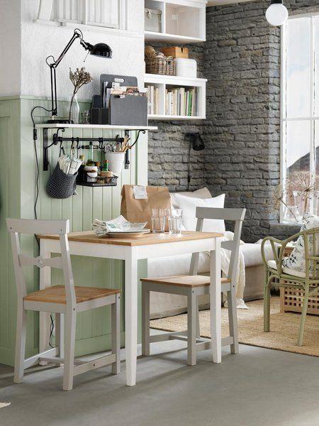 comedor mini con mesa y dos sillas de ikea