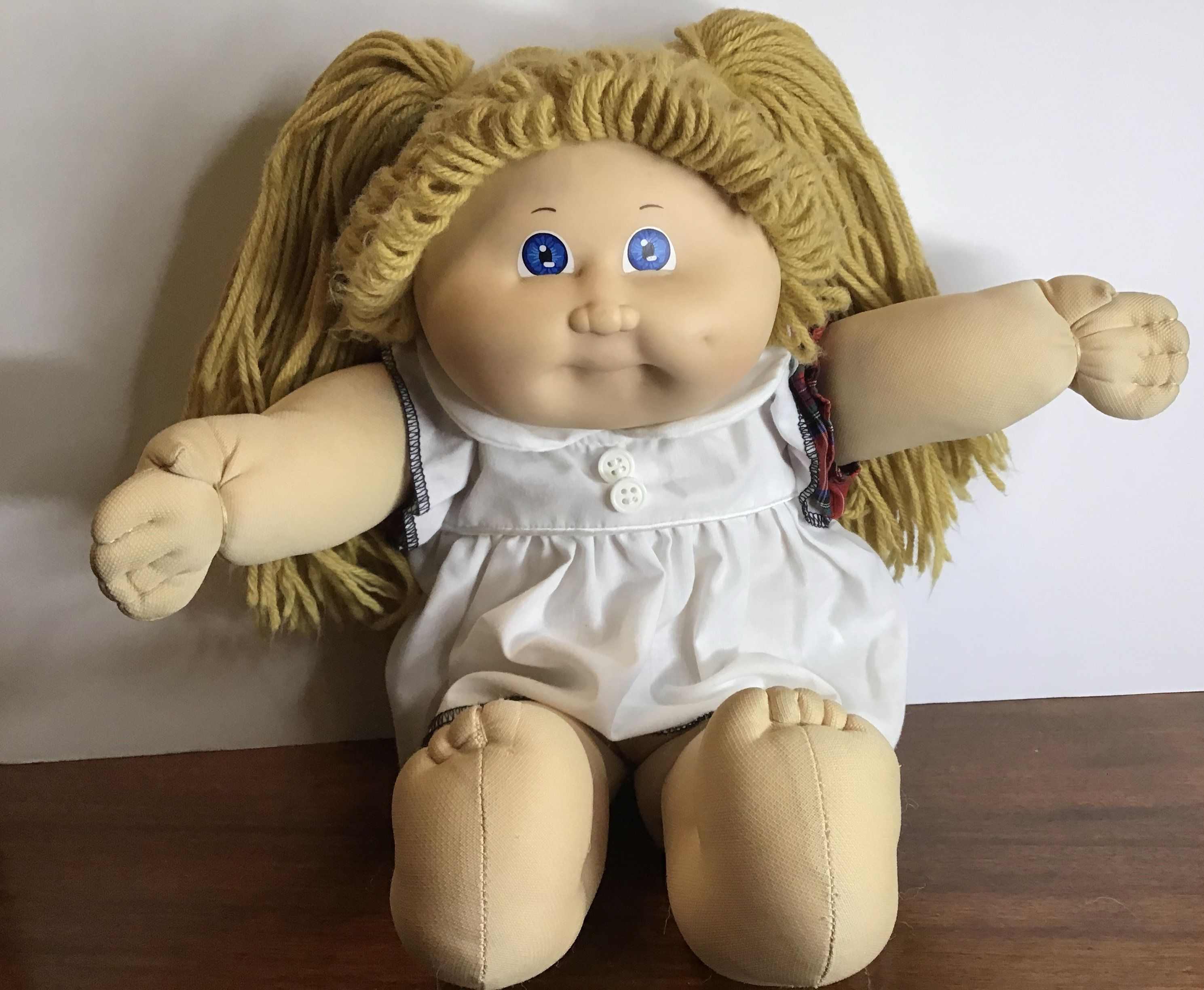 Vintage Cabbage Patch Kids Doll Blonde Hair In Pig Tails Blue Eyes 1982 Cabbage Patch Kids Child Doll Patch Kids