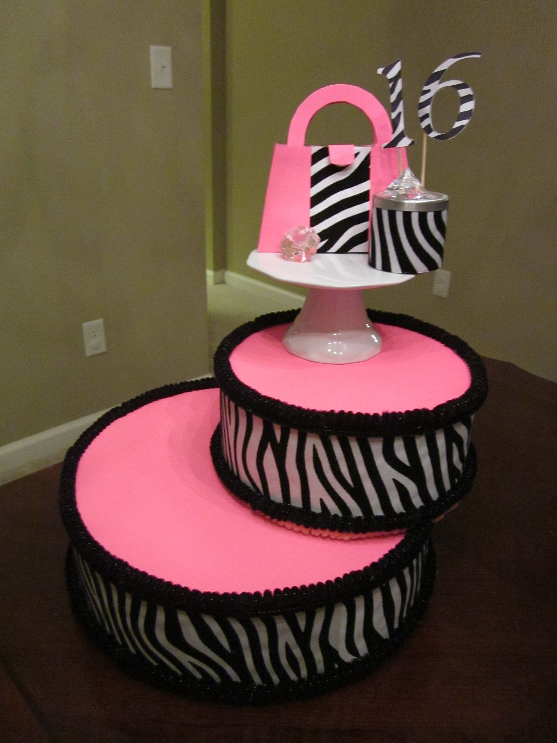 cake pop stand display just for style and presentation not for zebra pink cake stand. Black Bedroom Furniture Sets. Home Design Ideas