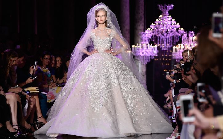 1-elie-saab-paris-fashion-week-wedding-dresses-wedding-gowns-0709-w724.jpg (724×453)