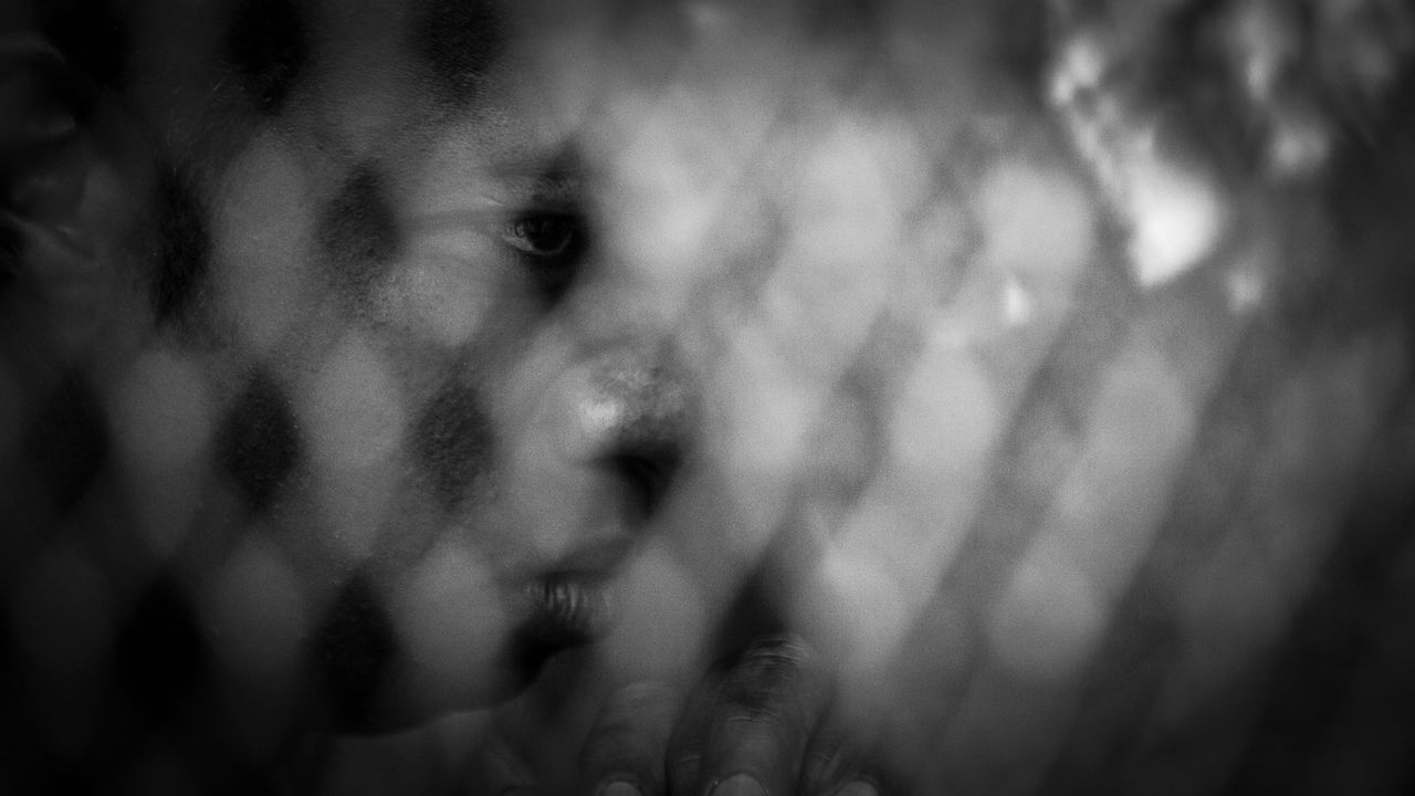 Stadt der Gesichtslosen – Die Illegalen von Calais on Vimeo