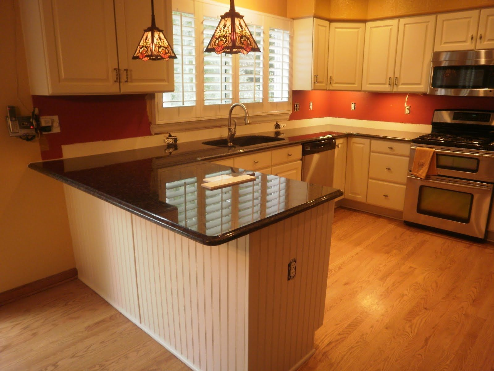 beautiful white and red kitchen design ideas with black granite countertops decorating and u. Black Bedroom Furniture Sets. Home Design Ideas