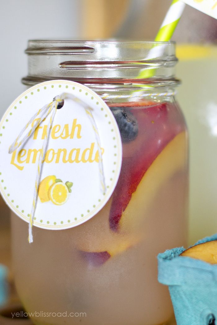 Flavored Lemonade Bar with Free Printables #flavoredlemonade