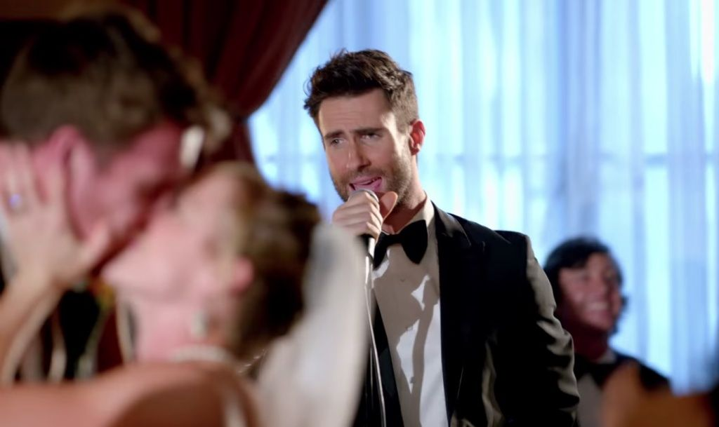 Maroon 5 Called Out For Faking Sugar Wedding Crashing Maroon 5 Best Love Songs Best Video Ever