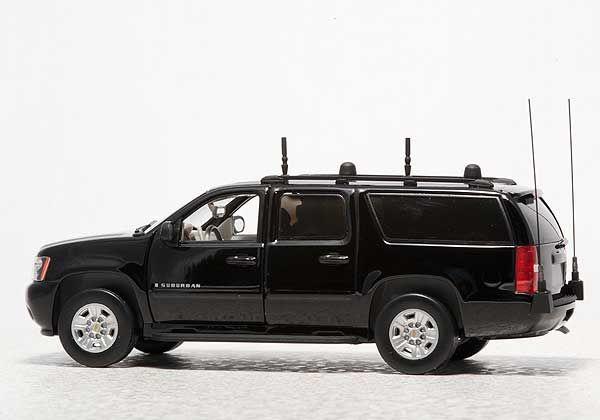 Photo Large United States Secret Service Armored Vehicles Chevrolet Suburban