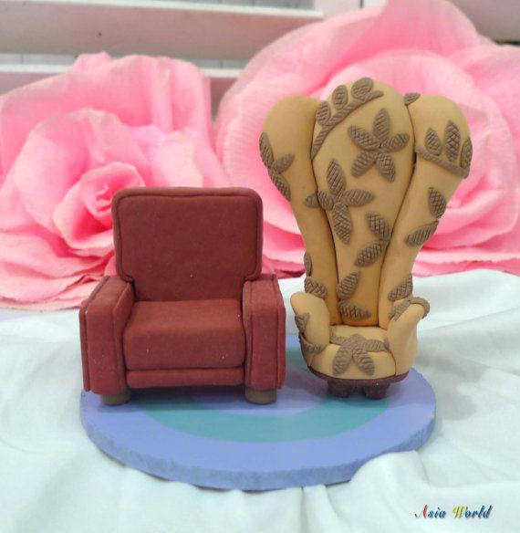 Carl And Ellie 39 S Chairs In Up Wedding Cake Topper Clay Doll Up Chairs Clay Miniature Engagement Diy Wedding Cake Disney Wedding Gifts Disney Cake Toppers