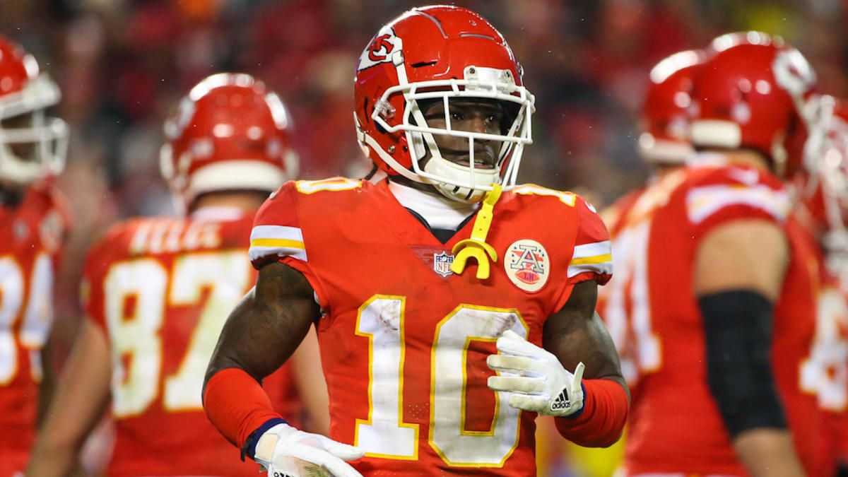 Nfl Shockingly Decides Not To Suspend Chiefs Star Tyreek Hill Following Investigation With Images Kansas City Chiefs Football Kansas City Chiefs Chief