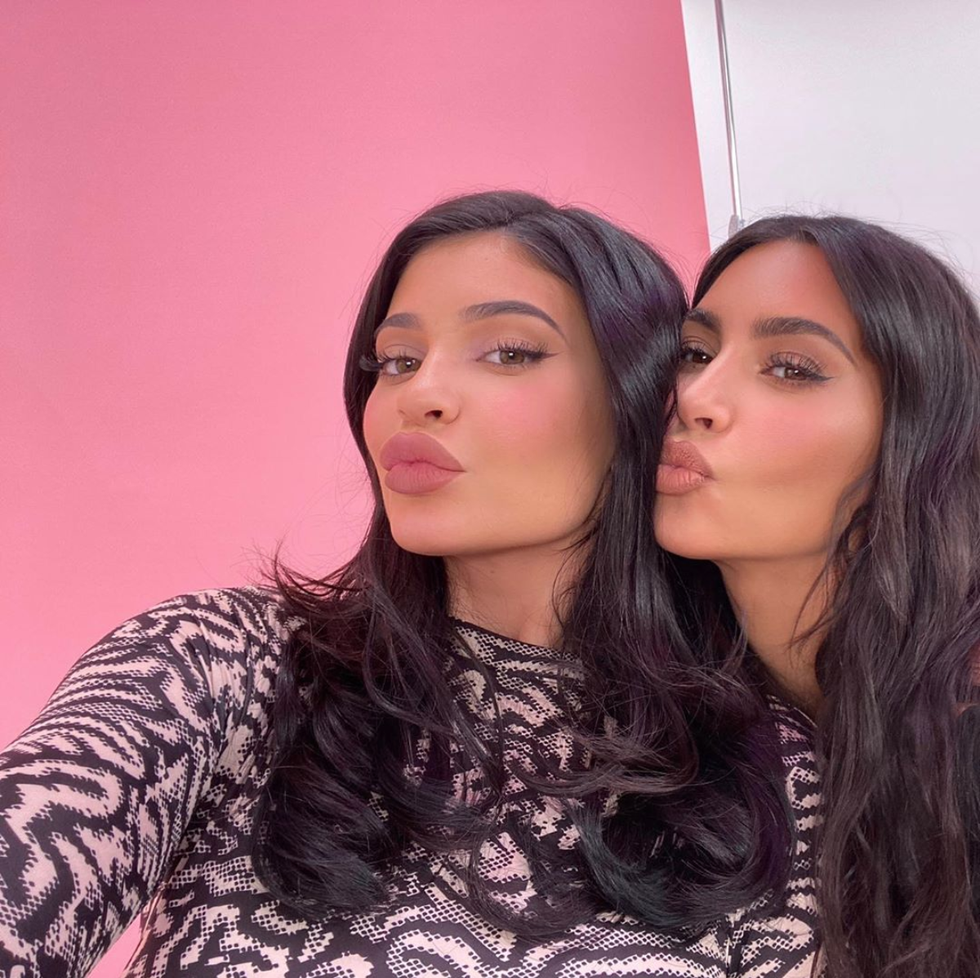 How To Make Your Lips Look Kylie Jenner Plump Without Getting Lip Injections Kim Kardashian Kylie Jenner Kardashian Kylie Jenner Kylie Jenner Snapchat