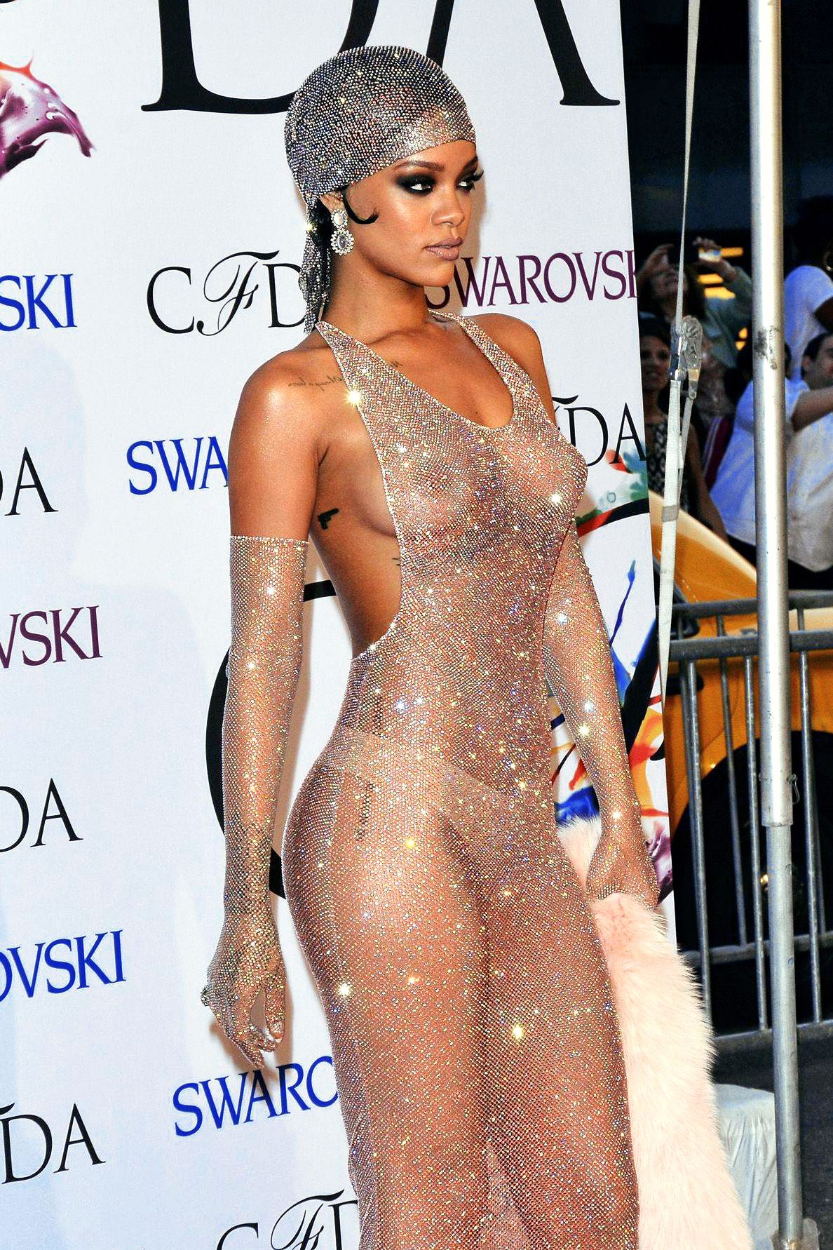 Rihanna Topless See Through - 27 Photos