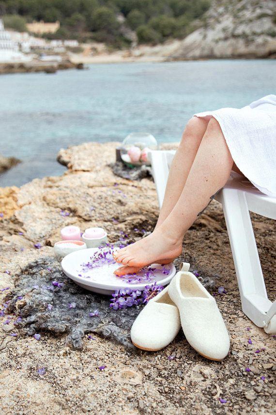 Gray Wool Rug For Your Bath Or Nursery From Organic Sheep Locks Wabi Sabi Decor Pinterest And