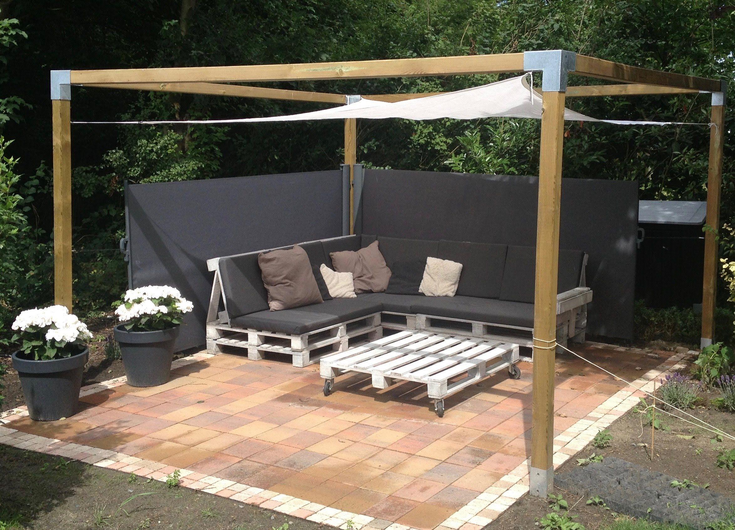 Pallet loungebank maak eenvoudig je eigen loungeset tosca pinterest eenvoudig houten for Maak een overdekt terras
