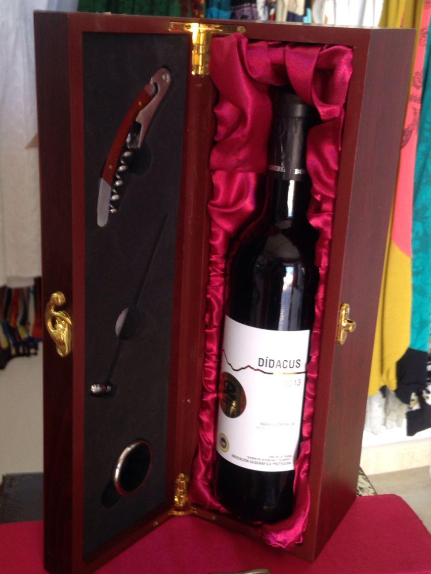 Caja accesorios vino