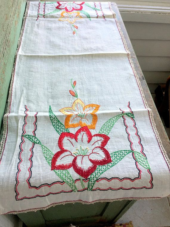 Antique Arts And Crafts Linen Embroidery Table Runner Dresser Scarf Fl Crochet Edge