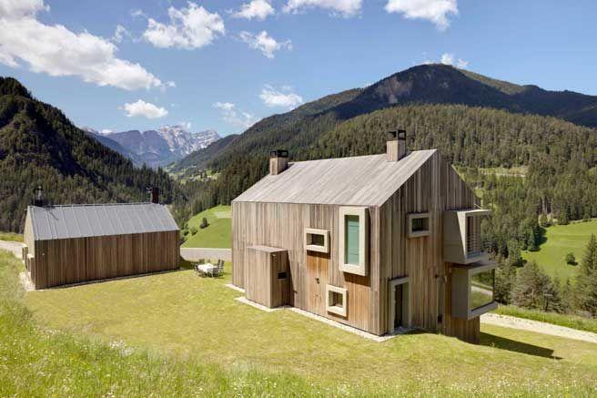 Holzfassaden mit breiten Fensterrahmen   Holzfassaden   Pinterest ...
