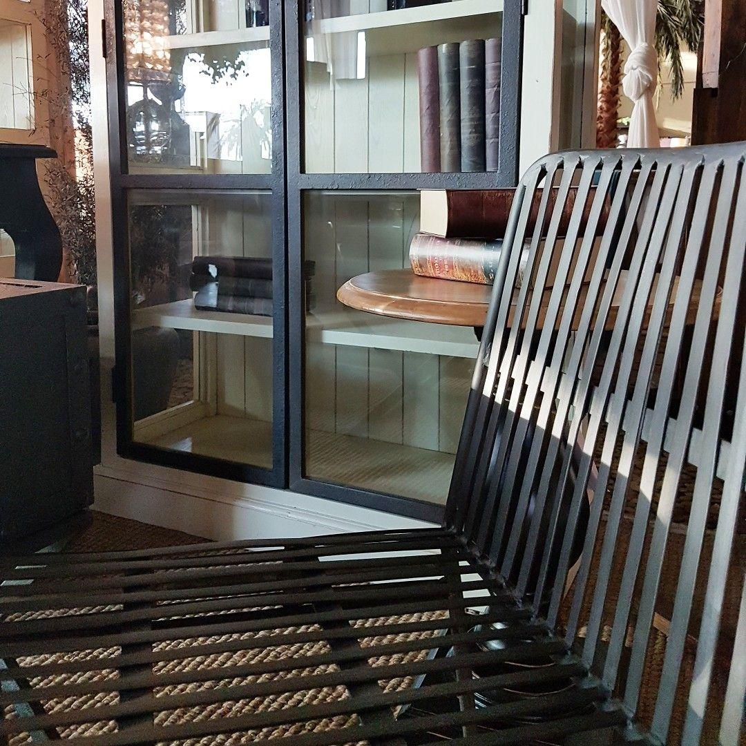 Los muebles de estilo industrial y vintage rescatan la for Muebles industrial loft