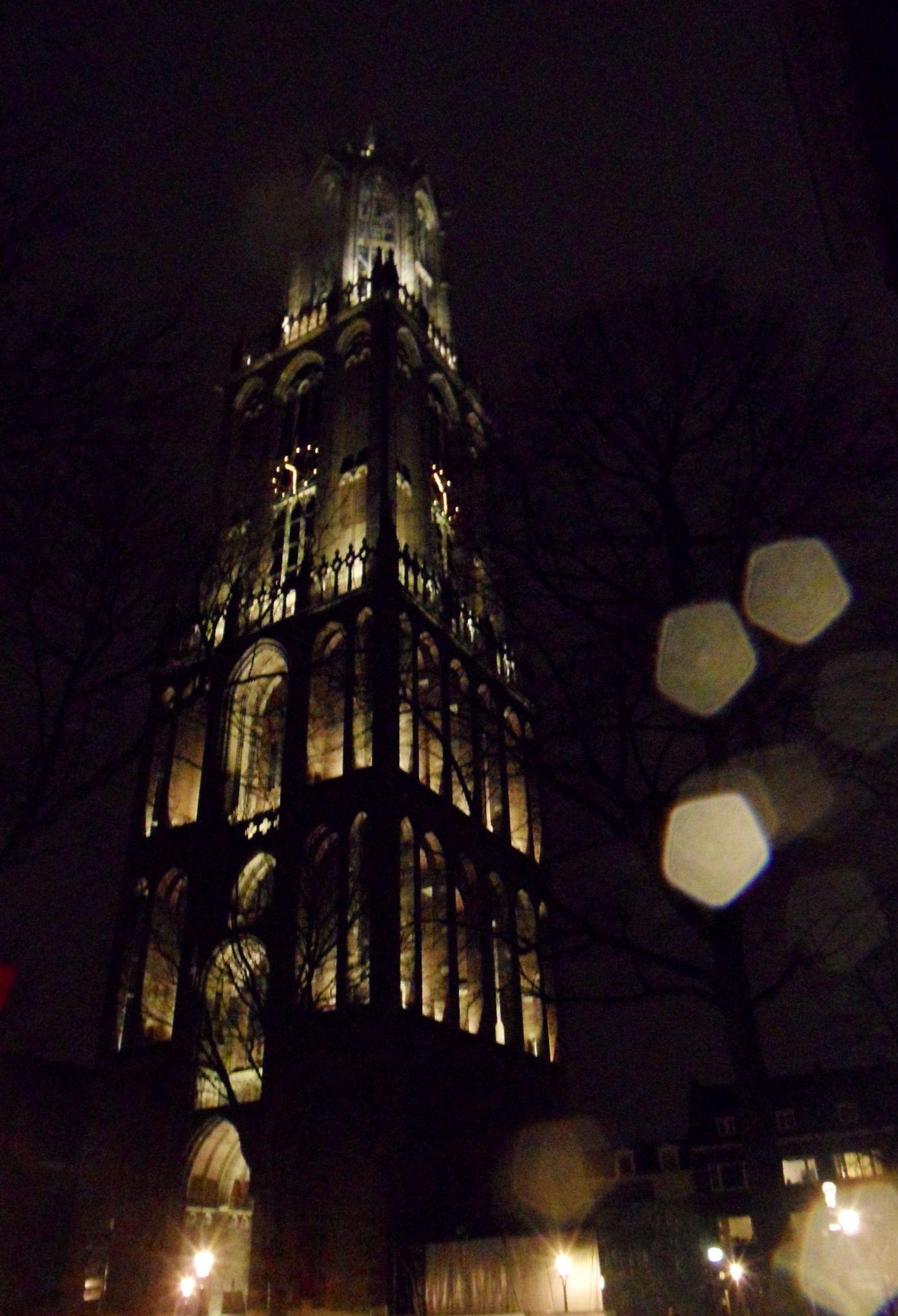 De Dom van Utrecht bij nacht