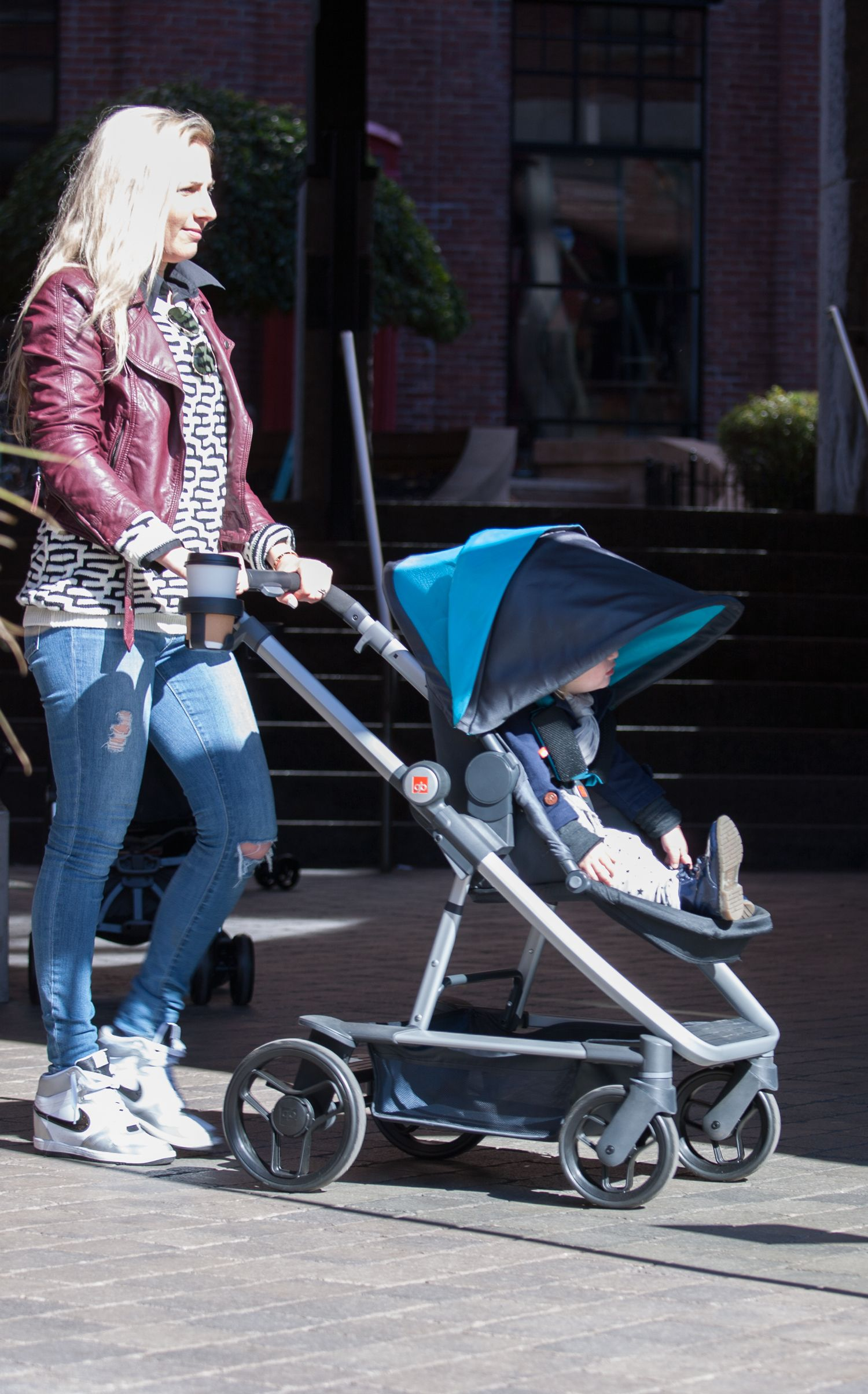 GB Evoq 4in1 Travel System in Teal. hipmom momstyle